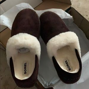 NEW SOREL SLIPPERS CATTAIL SIZE 8